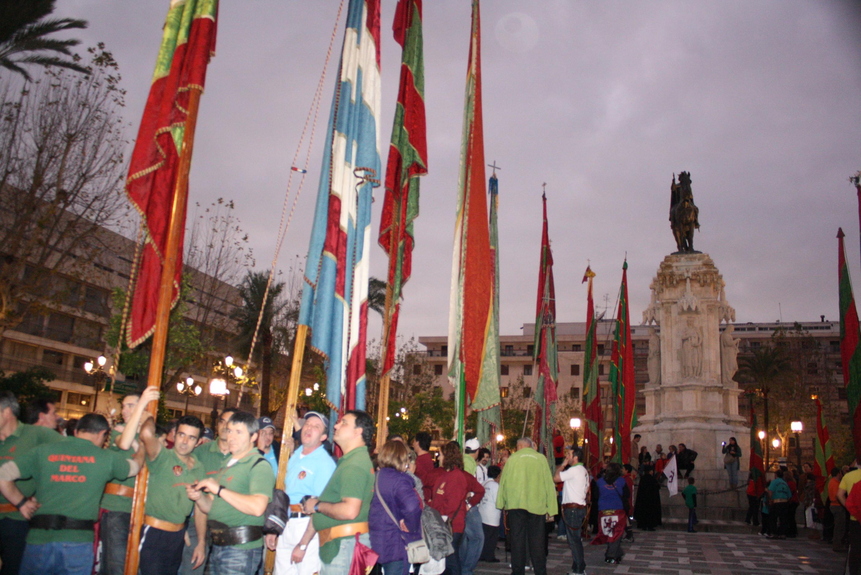 Los pendones en la Plaza Nueva de Sevillaw